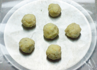 Raw potato balls